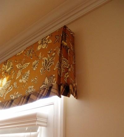 Family_room_curtain